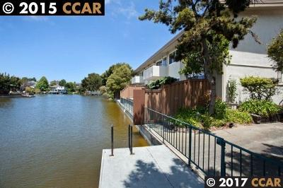 Alameda Condo/Townhouse For Sale: 2029 Otis Dr #K