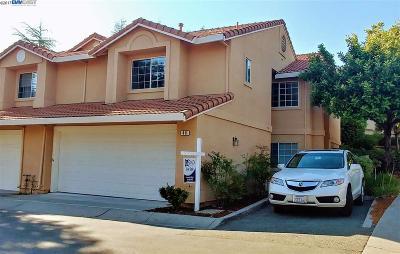 Danville Condo/Townhouse For Sale: 40 Monterey Ct