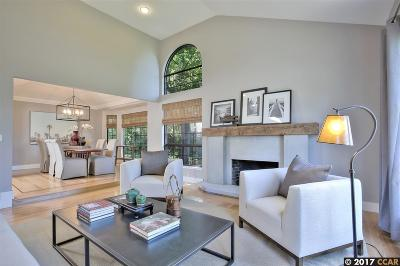 Moraga Single Family Home For Sale: 4 Lamp Ct