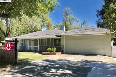 Pleasant Hill Single Family Home For Sale: 131 Taylor