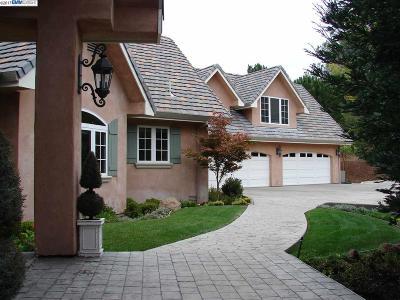 Walnut Creek Single Family Home For Sale: 139 Brodia Way