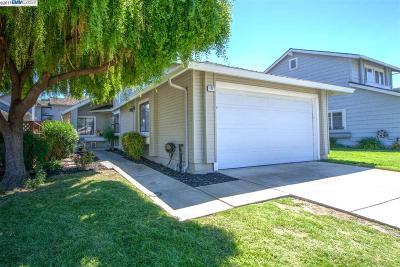 Pleasanton Single Family Home For Sale: 1827 Sinclair Dr
