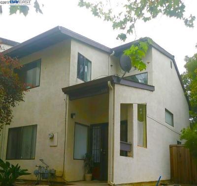 Oakland Condo/Townhouse For Sale: 9796 Elmview Dr