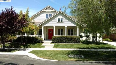 Livermore Single Family Home For Sale: 2564 Cowan Way