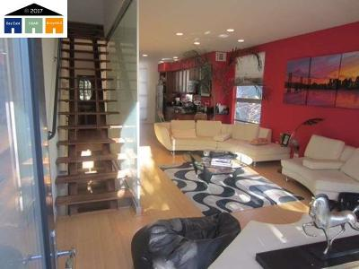 Emeryville Condo/Townhouse Active-Short Sale: 52 Loop 22