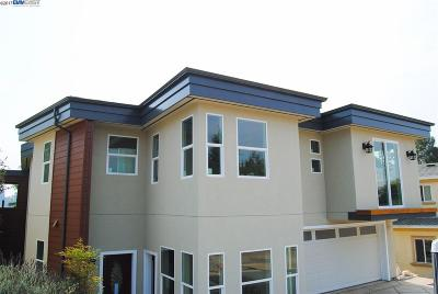 Oakland Single Family Home For Sale: 7026 Devon Way