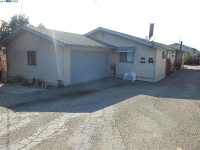 San Leandro Multi Family Home Pending Show For Backups: 1585 168th Ave.