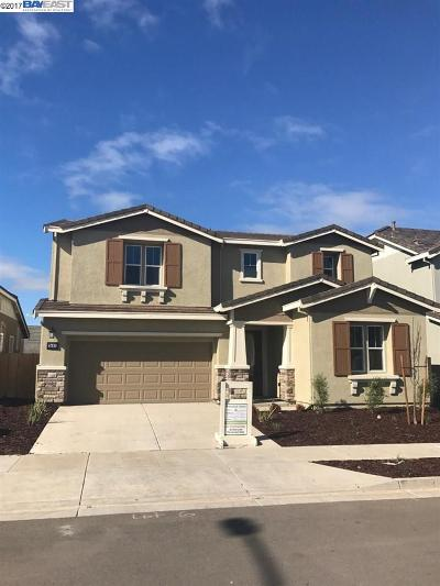 Tracy Single Family Home For Sale: 3483 Bungalows Dr