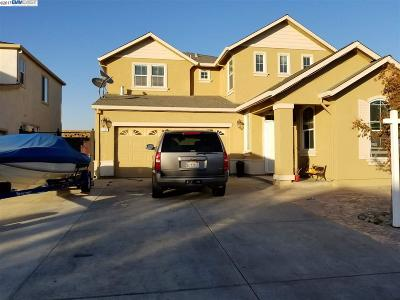 Single Family Home New: 4154 Red Oak Ln