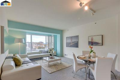 Oakland Condo/Townhouse For Sale: 1 Lakeside Dr #812
