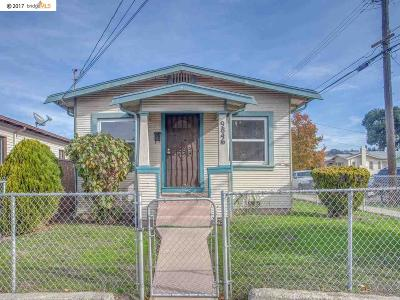 Oakland Single Family Home For Sale: 9846 Olive St