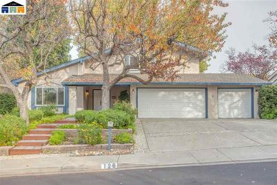 Walnut Creek Single Family Home For Sale: 126 Belvedere Court