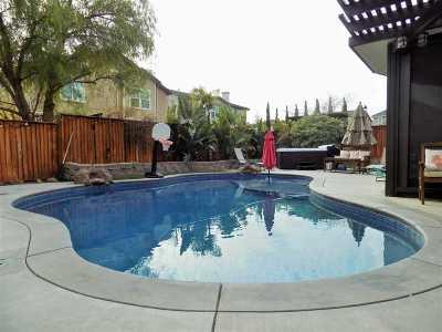 Deer Ridge Single Family Home For Sale: 2750 La Costa Dr