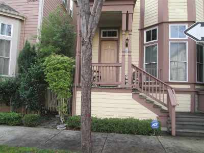 Hercules Single Family Home Contingent: 2102 Lewis St