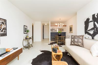 Oakland Condo/Townhouse For Sale: 811 York Street #105