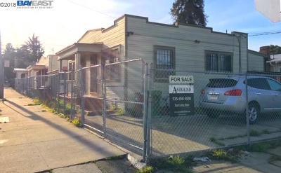 Oakland Multi Family Home New: 3451 Deering St