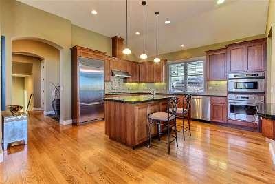 Martinez Single Family Home For Sale: 211 Park St