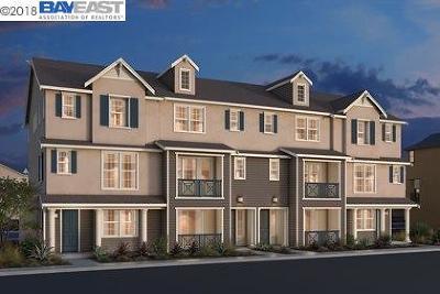 Dublin CA Condo/Townhouse New: $896,000