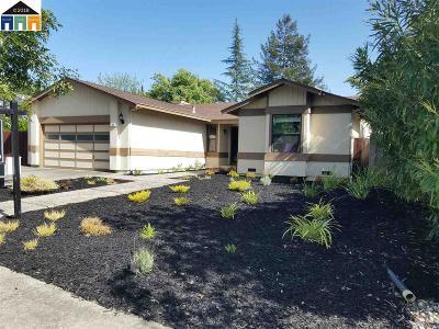 Martinez Single Family Home Contingent: 784 Horizon Dr