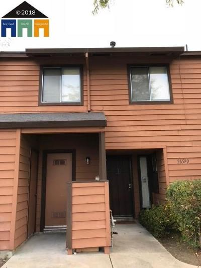 Hayward Condo/Townhouse For Sale: 26590 Sunvale