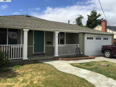 San Lorenzo Single Family Home Pending Show For Backups: 17187 17146 Via Del Rey