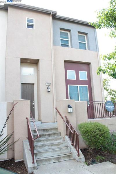 San Pablo Condo/Townhouse For Sale: 2702 Holly St
