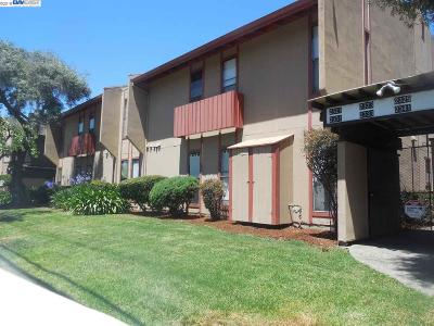 San Leandro Condo/Townhouse For Sale: 2331 Fairway Drive