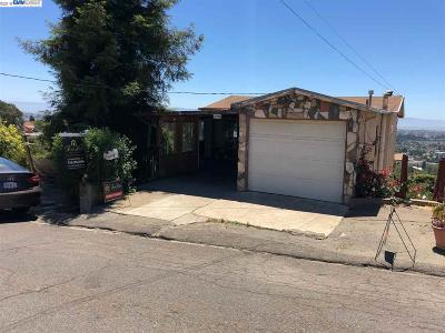 San Leandro Single Family Home For Sale: 16709 Rolando Ave