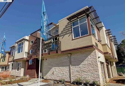Walnut Creek Condo/Townhouse For Sale: 1255 Walker Avenue #3