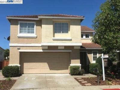 San Leandro Single Family Home For Sale: 15541 Oceanside Way