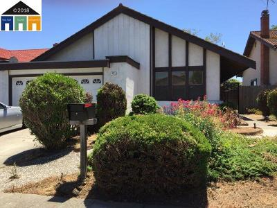 San Leandro Single Family Home For Sale: 677 Elderberry Way