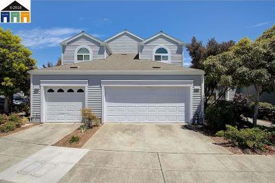 Alameda Condo/Townhouse For Sale: 141 Oak Park Dr