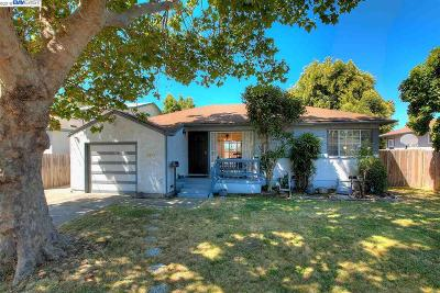 San Lorenzo Single Family Home For Sale: 15839 Via Rivera