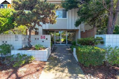 Alameda Condo/Townhouse For Sale: 2035 Otis Dr #A