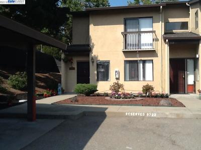 Oakland Condo/Townhouse For Sale: 9722 Hillgrade Ct