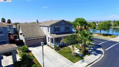 Discovery Bay Single Family Home For Sale: 3202 Lookout Point Loop