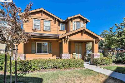 Pittsburg Single Family Home For Sale: 202 Whimbrel Cir