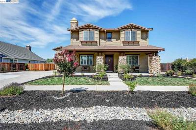 Livermore Single Family Home For Sale: 2635 Cowan Way