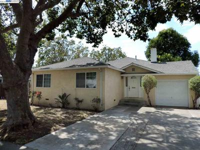 San Lorenzo Single Family Home For Sale: 367 Via Lucero