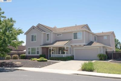 Livermore Single Family Home For Sale: 1368 Capri Court