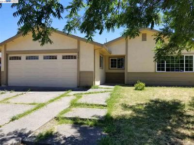 Stockton Single Family Home For Sale: 2130 Valmora Dr
