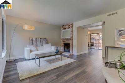 Crockett Condo/Townhouse For Sale: 882 Redwood Ct