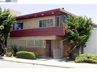 Oakland Multi Family Home New: 5756 Market St