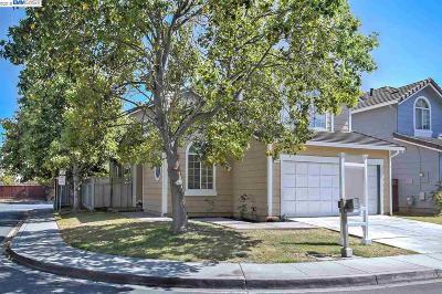 Fremont Single Family Home For Sale: 5268 Shamrock Cmn