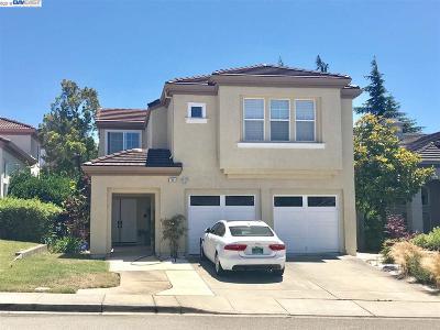 Castro Valley Single Family Home For Sale: 7991 Pineville Cir