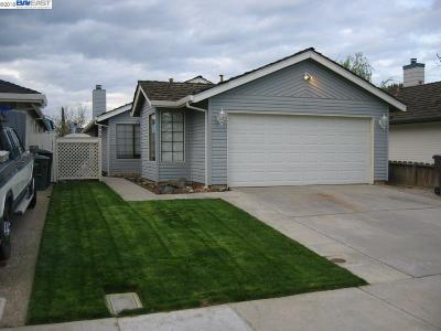 Tracy Single Family Home For Sale: 195 W Clover Rd