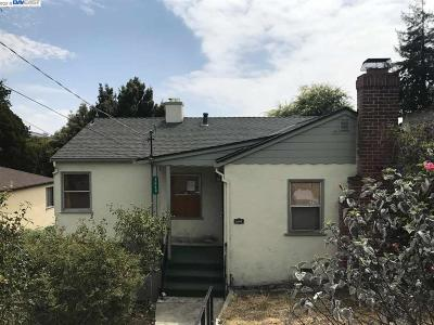 Oakland Single Family Home For Sale: 2640 99th Ave