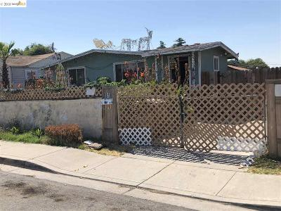 Bay Point Single Family Home For Sale: 81 Poinsettia Ave