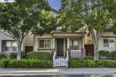 Pleasant Hill Single Family Home For Sale: 41 Cleaveland Rd