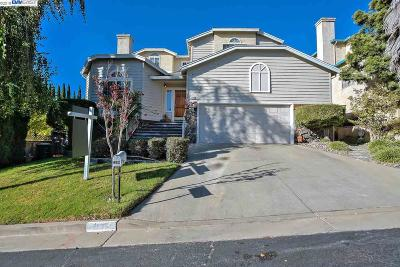 Hayward CA Single Family Home For Sale: $995,000